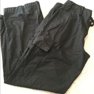 Gap Women's Black Light Cargo Pants Adjustable